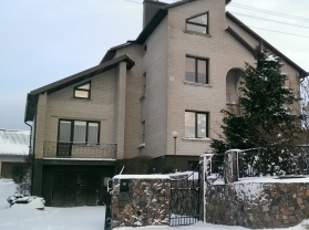 4x3_front_house_6