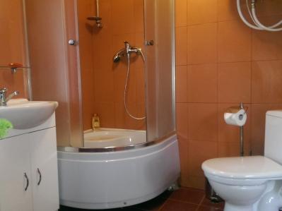 4x3_room1_shower1